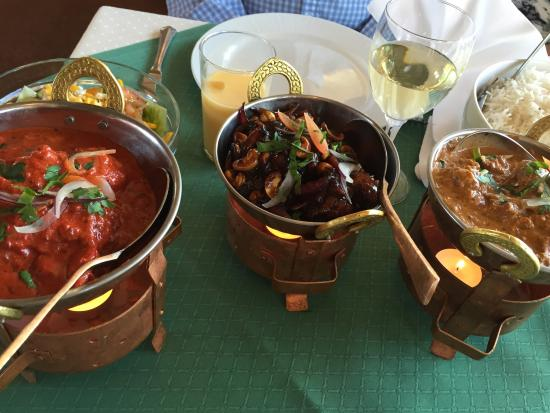 Vadso, Norwegia: Бесподобный напиток ласси, разнообразие соусов, приправ и кулинарных изысков.все быстро, качеств