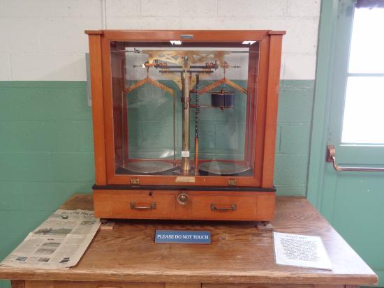 Richland, WA: Balance scale used to measure plutonium