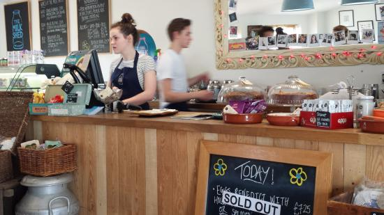 Weston on the Green, UK: The main counter