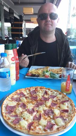 Pizza hawaii picture of blue night restaurant alanya for Alanya turkish cuisine