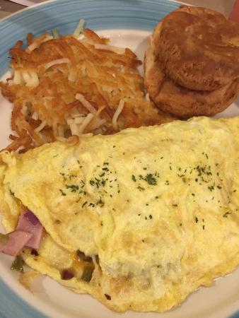 มิลเลจวิลล์, จอร์เจีย: western omelet with hash browns and biscuit (didn't eat the biscuit)