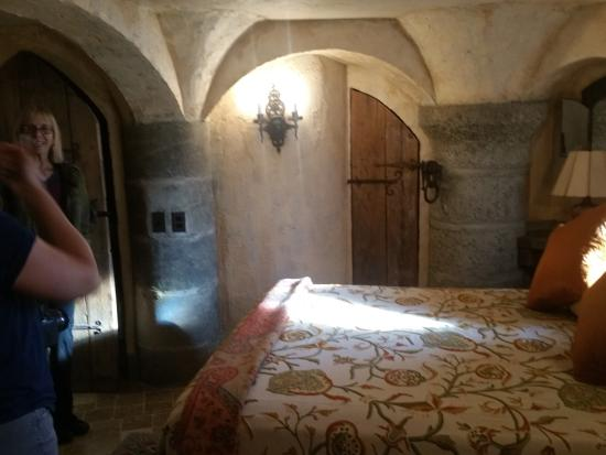 Wing Castle B&B : Dungeon room