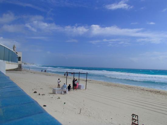 Sun Palace Infinity Pool View Of Beach Wedding