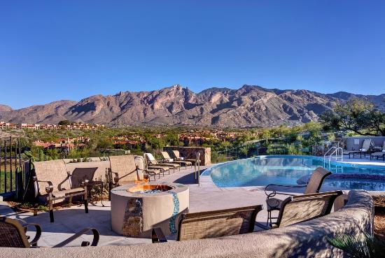 Hacienda Del Sol Guest Ranch Resort: Catalina Pool Daytime