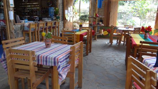 San Juan la Laguna, Guatemala: Ample space where you can enjoy vegetarian and vegan dishes, made with fresh ingredintes.