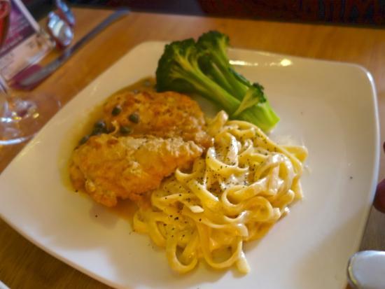 Silver City, Nuevo Mexico: Lemon Caper Chicken with Alfredo Fettuccini