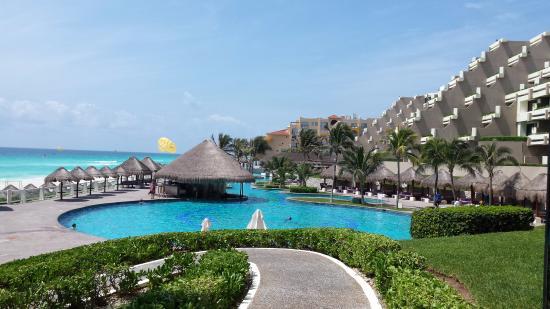 Pool - Paradisus Cancun Photo