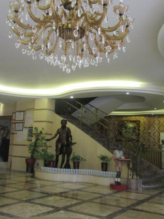 Liuzhou, China: Hotel lobby