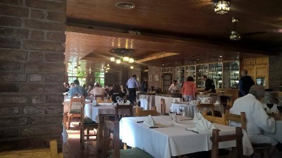 Termas Cacheuta - Terma Spa Full Day: restorán menú bufett, mesas con ubicación asignada