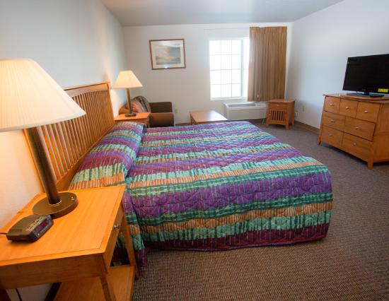 Pinedale, WY: King Suite