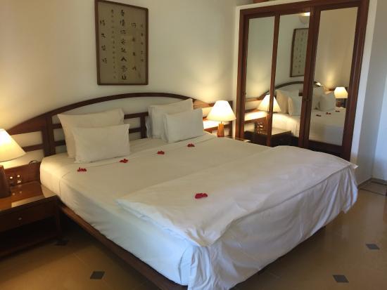Ha An Hotel: Superior garden view room