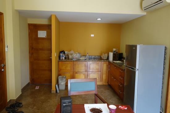Seven Crown La Paz Centro: Full Kitchen