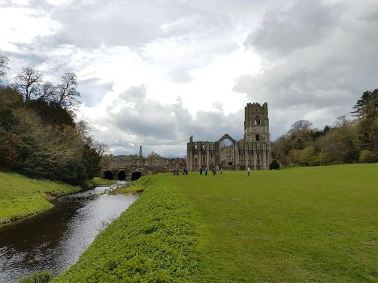 Fountains Abbey and Studley Royal Water Garden: 20160430_132403_large.jpg