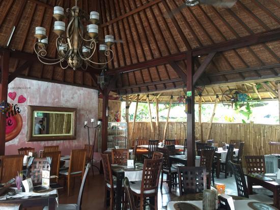 Yutz Place Restaurant: photo0.jpg