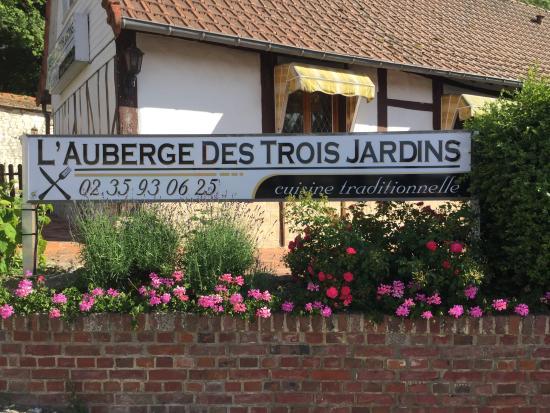 Auberge des trois jardins mesni res en bray restaurant for Auberge a la maison mesniere en bray