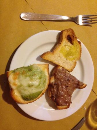 Montecassiano, Italia: Crostini misti