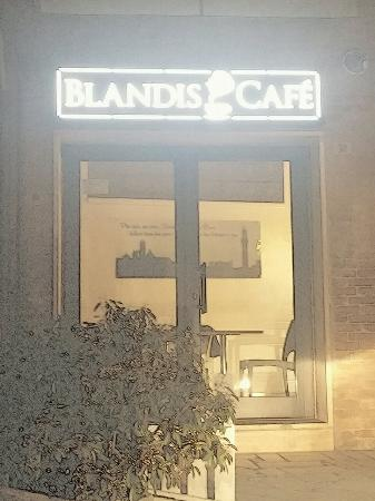 ‪Blandis Cafè & Wine Bar‬
