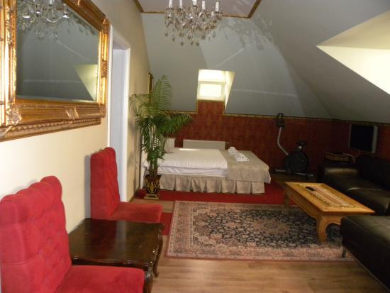 Villa Rococo: Suite Maxims