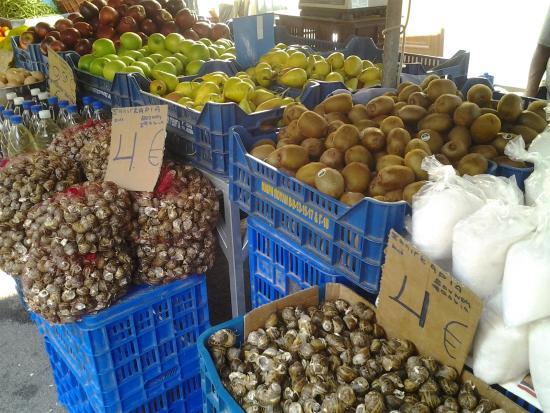 Farmers' Market - Laiki