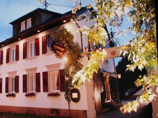 Weingut & Gästehaus Familie Hebinger