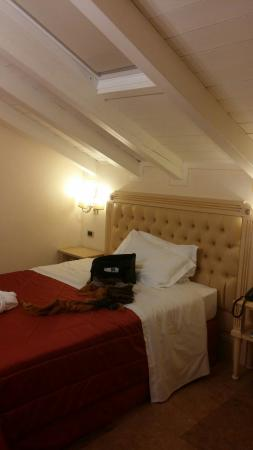 Hotel Cavour: 20160410_223027_large.jpg