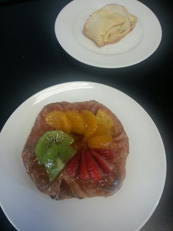 ‪‪Motueka‬, نيوزيلندا: Fruit danish yum‬