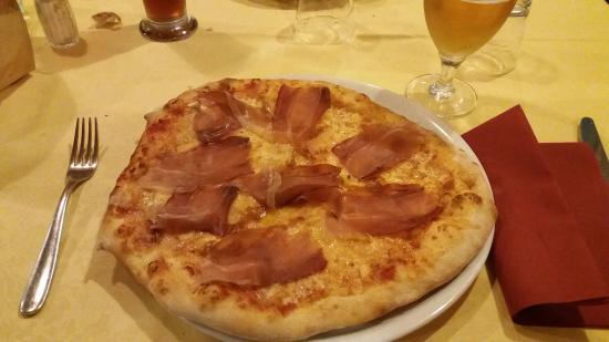 Cantalupa, Italia: 20160501_204916_large.jpg