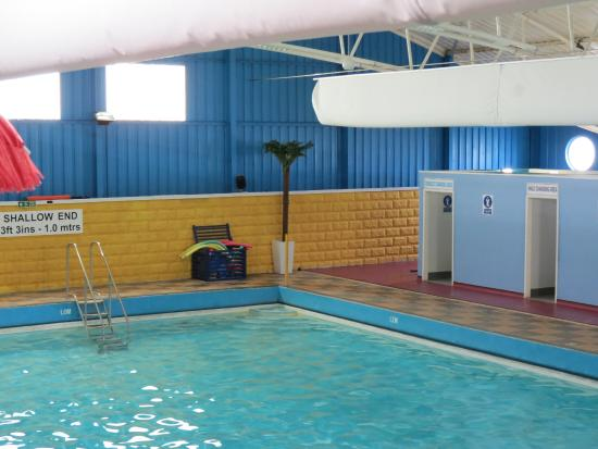 indoor pool picture of pontins sand bay holiday park kewstoke tripadvisor