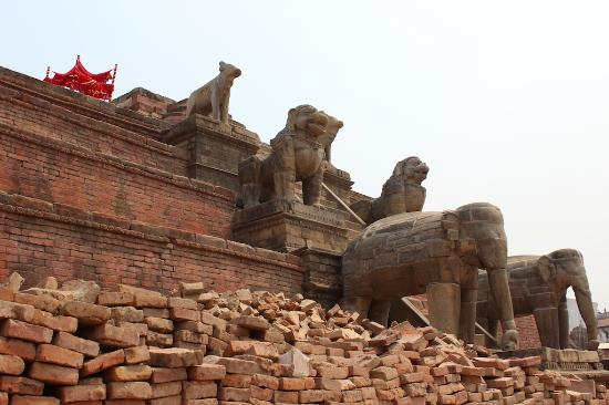 Bhaktapur, Nepal: Temple at the top unfortunately completely destructed in 2015 earthquake but still impressive st