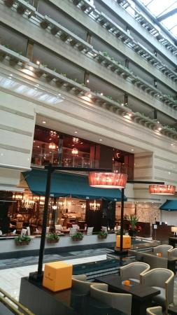 Kyoto Brighton Hotel: ホテルの外観とロビーです