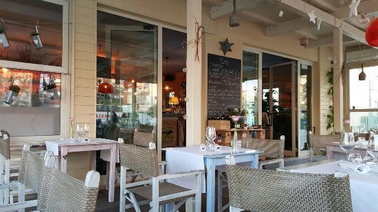 20160501_200942_large.jpg - Picture of Caffe Godot, Lido Di Camaiore ...