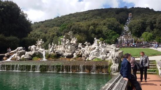 Fontana dei giardini foto di reggia di caserta caserta - Reggia di caserta giardini ...
