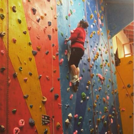 Awesome Walls Climbing Centre: photo0.jpg