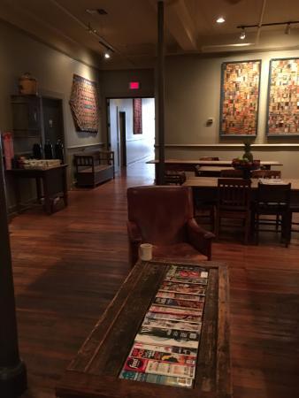 Riverwalk Vista: The Common room for breakfast