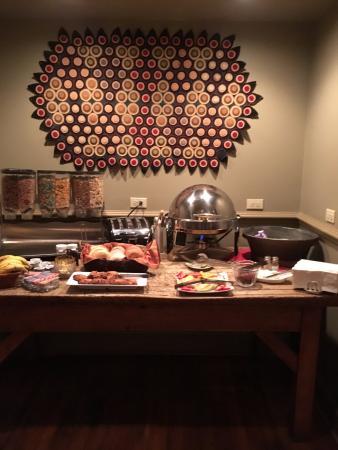 Riverwalk Vista: Breakfast buffet