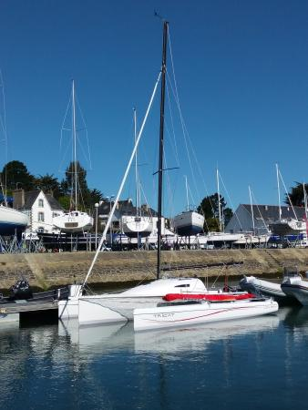 Larmor-Baden, فرنسا: LouBay au port de La Trinité sur Mer