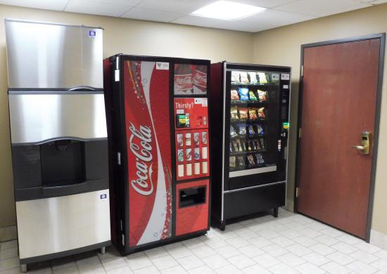 New Britain, كونيكتيكت: Snack Vending