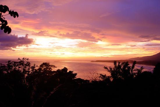 La Cusinga Eco Lodge: sunset