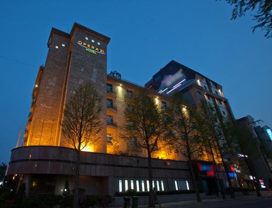 オペラ 21 ホテル