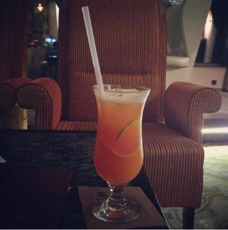 Hotel Continental: Cocktail at Cohiba