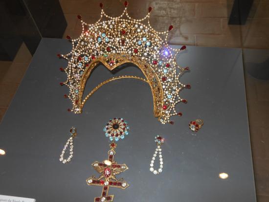 Museo Renata Tebaldi: Gioielli per un'opera