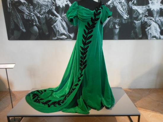 Museo Renata Tebaldi: Abito x Tosca