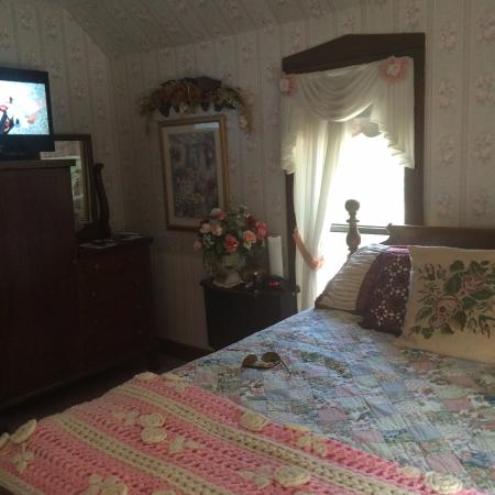 Christopher's Inn: Jacqueline's Room