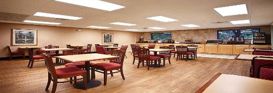 Best Western Plus Sebastian Hotel & Suites: Breakfast Area