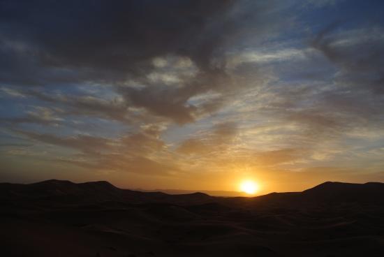 Ligne d'Aventure - Day Tours: Sunset in the desert