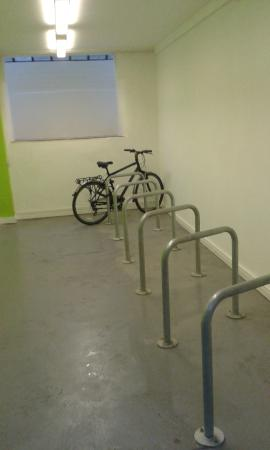 YHA Ironbridge Coalport: Bike Store