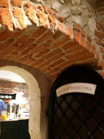 Senacki Hotel: Vaulted Basement