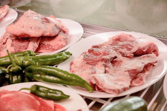 Provincia de Córdoba, España: Nuestra carne esperando las brasas