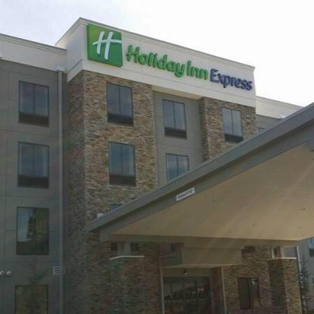 ‪Holiday Inn Express & Suites Bryant-Benton‬