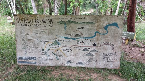 Stann Creek, Belize: Park map next to ranger station